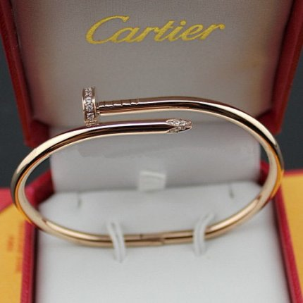 réplique bracelet clou cartier or rose avec des diamants B6039015